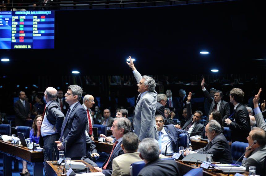 Plenário muda critério nos pleitos proporcionais e garante eleição dos mais votados