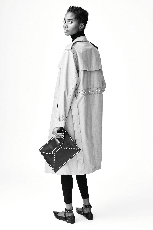 #Valentino #fashion  #Koshchenets     Valentino Pre-Fall 2016 Collection Photos - Vogue