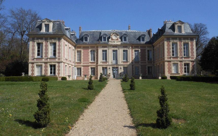 Oooh la la: 10 gorgeous châteaux in France for sale ...