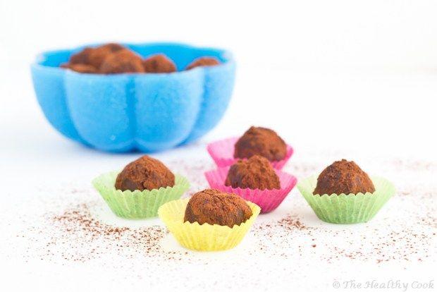 Chocolate & Yoghurt Truffles with Blueberries – Τρούφες Σοκολάτας με μύρτιλα και γιαούρτι