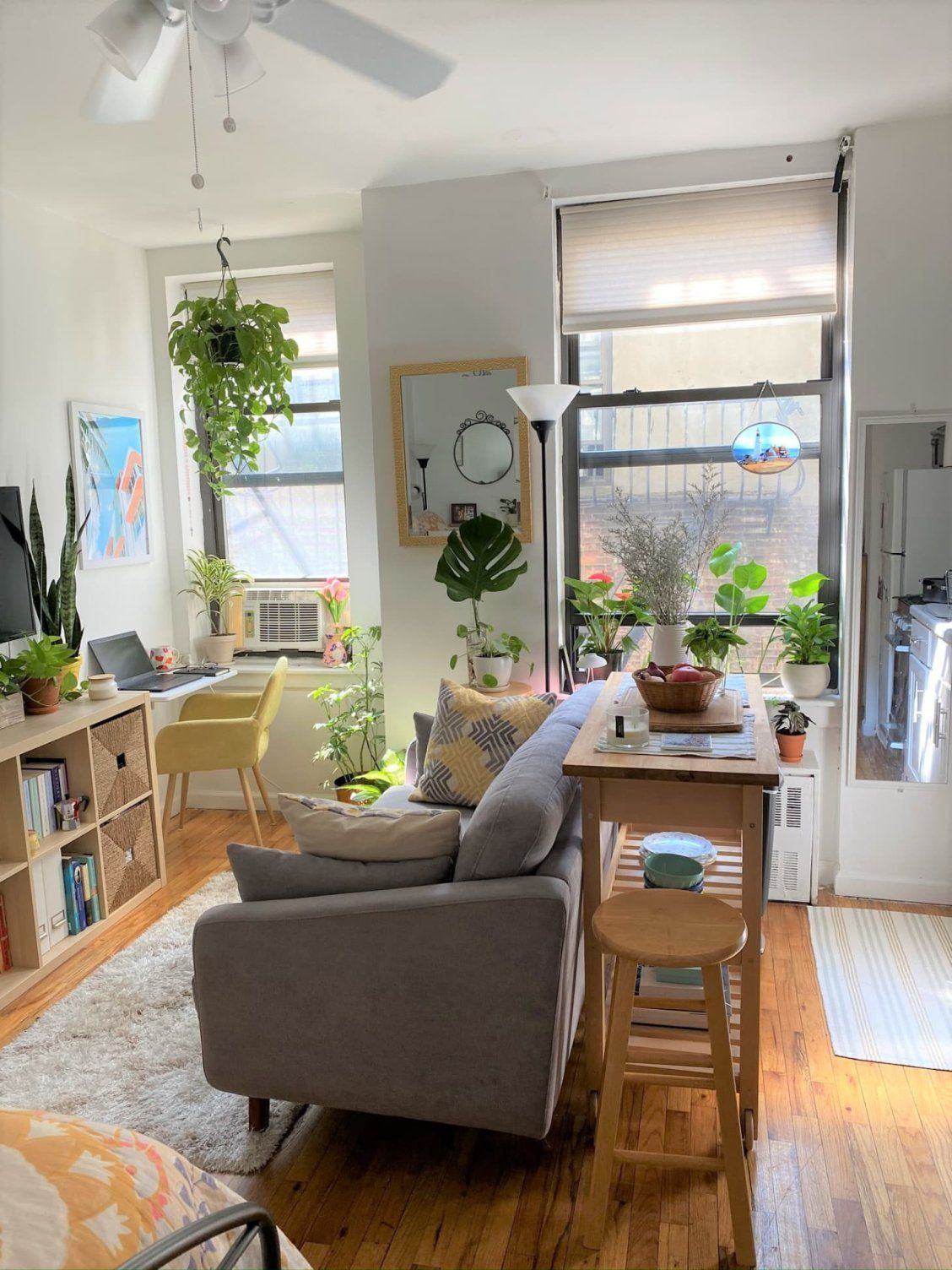 A 235-Square-Foot Brooklyn Studio Hides a GREAT Wall-Mounted Work-From-Home Desk