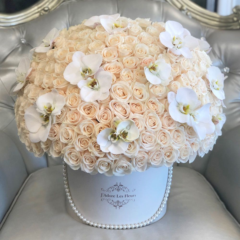 Signature 200 White Roses With Single Orchids Luxury Flower Arrangement Luxury Flowers Creative Flower Arrangements