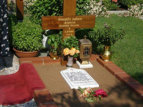 Εκπληκτικό ΘΑΥΜΑ στον τάφο του Αγ. ΠΑΙΣΙΟΥ...