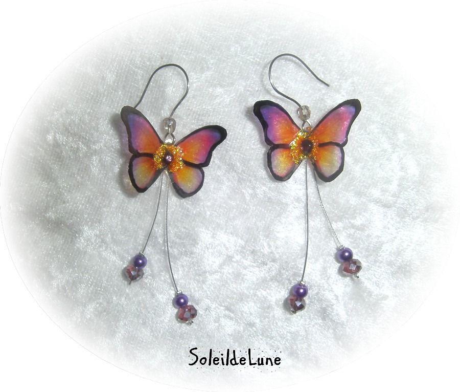 """Boucles d'oreilles Ailes de Papillon """"vitrail"""" orange violet ❀ Boucles d'oreille papillon 3D pendants perles cristal : Boucles d'oreille par soleildelune-bijoux-mariage"""