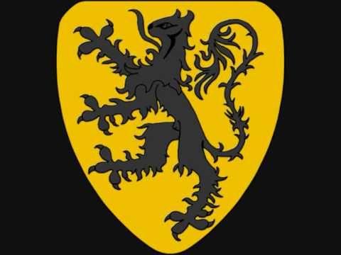 Ze stonden daar in Kortrijk te wachten in de wei De stoere Vlaamse kerels, heel proper zij aan zij De knapzak vol met lekkers, wat worsten en wat brood En ze...