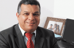 POLÍTICA - OS NOMES DA REGIÃO DOS LAGOS JORNAL O RESUMO: Conheça os 3 candidatos eleitos e o 1º suplente da...