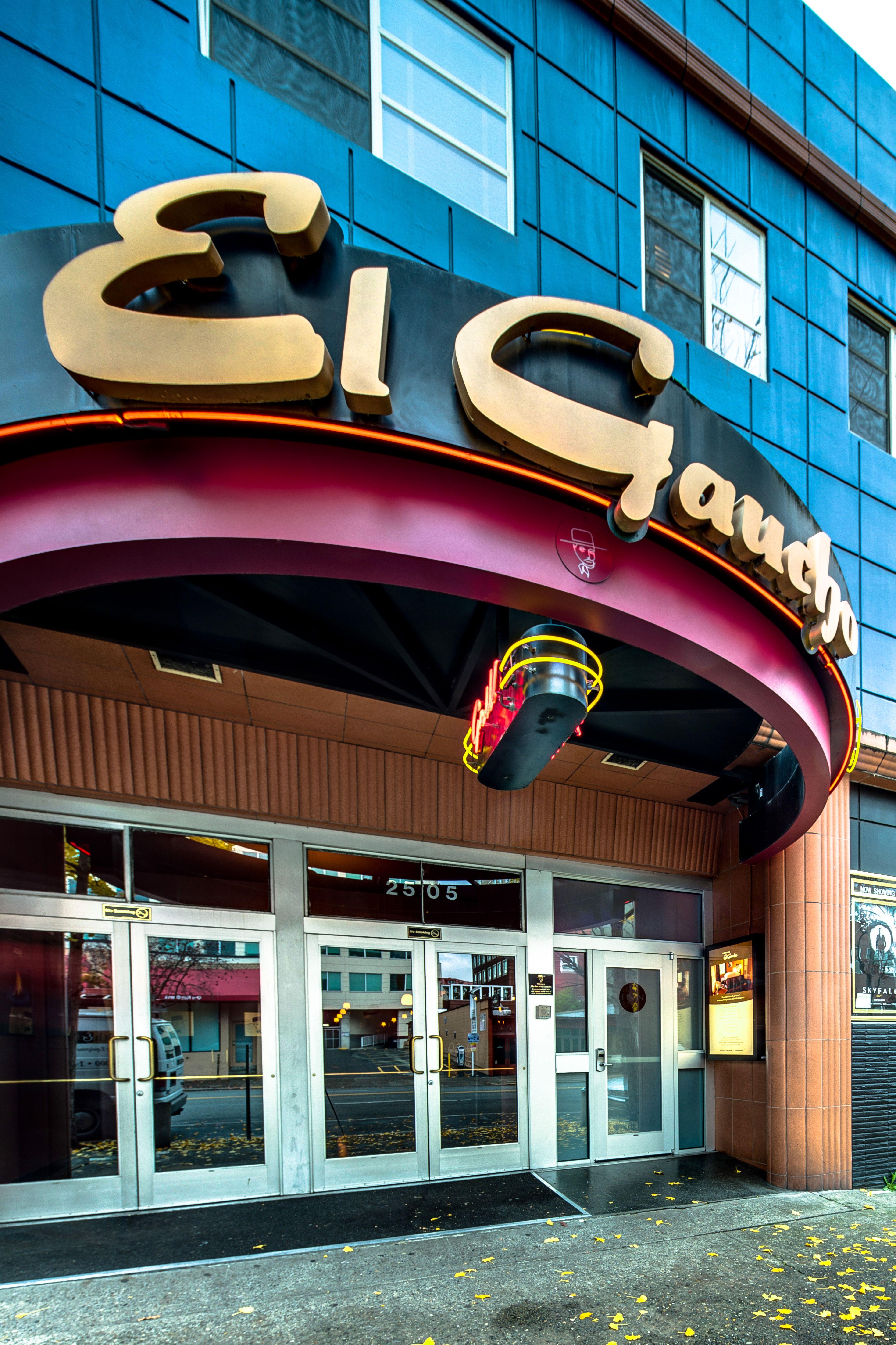 El-Gaucho-exterior.jpg (3835×5754)