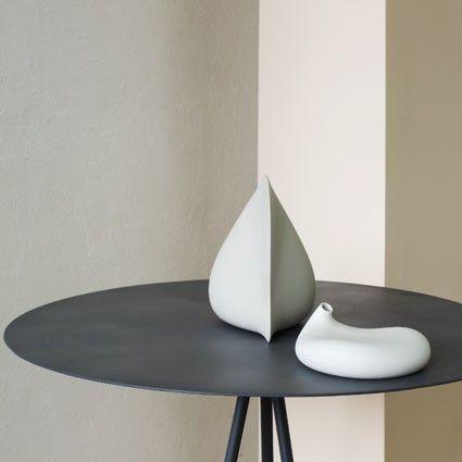 Pour designerbox aldo bakker designer imagine un vase soliflore design en pocerlaine dans sa box en édition limitée un objet déco et pratique pour la