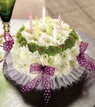 Wondrous A Floral Arrangment That Looks Like A Birthday Cake I Love It Personalised Birthday Cards Beptaeletsinfo