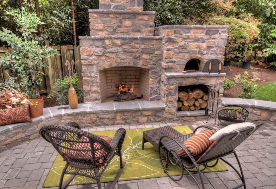 20 Of The Coolest Outdoor Fireplaces With Images Outdoor