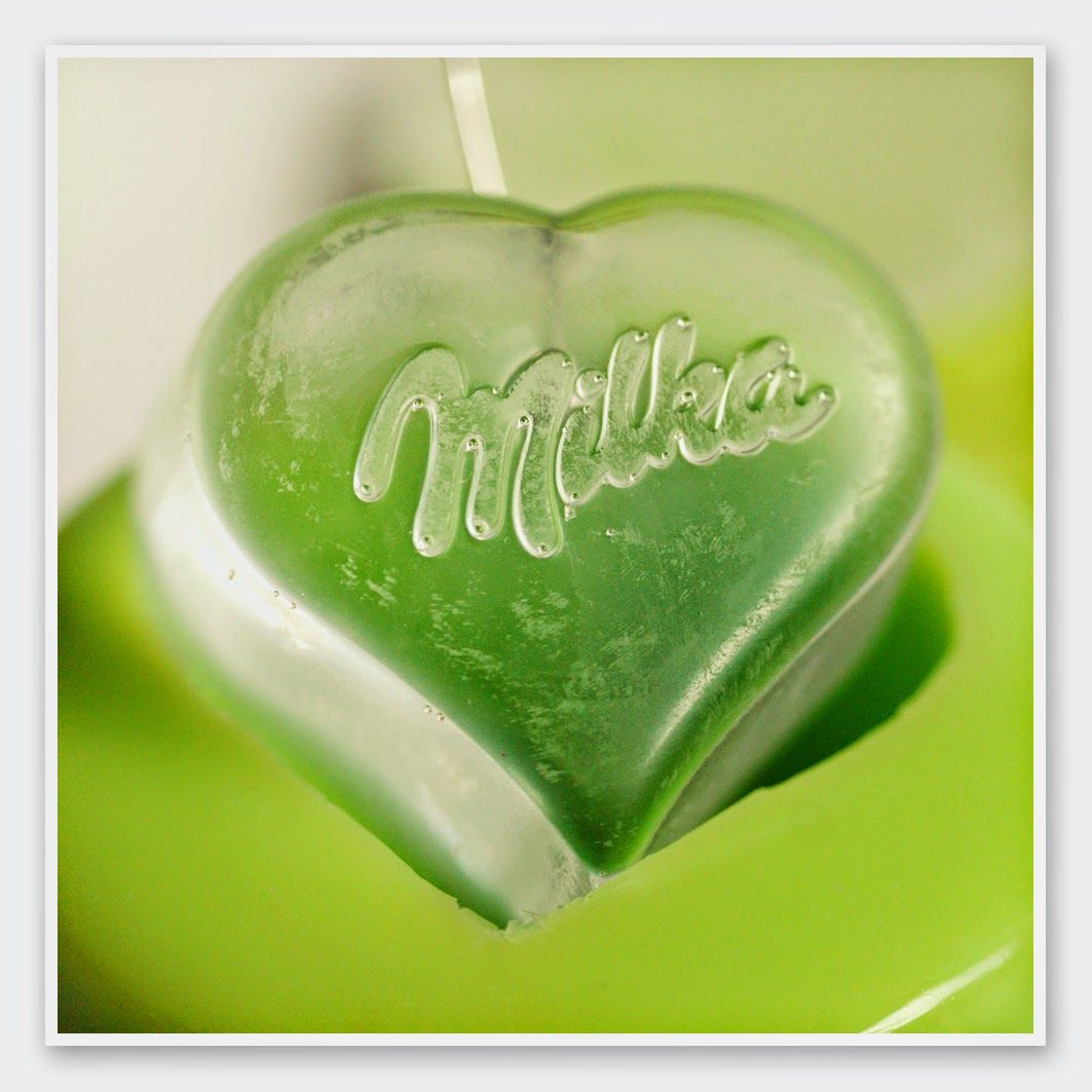 """milka""-heart : resin"
