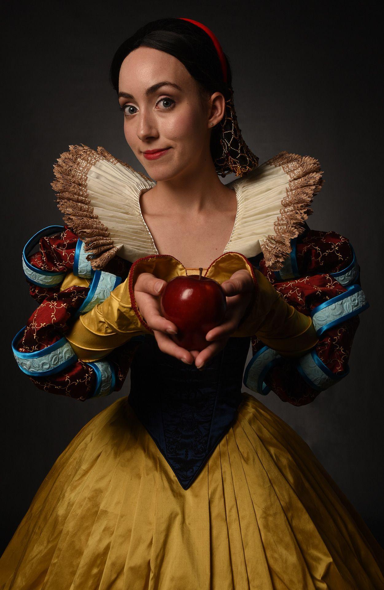 Stephanie Dola Cosplay | Best cosplay, Cosplay, Snow white  Original Snow White Costume