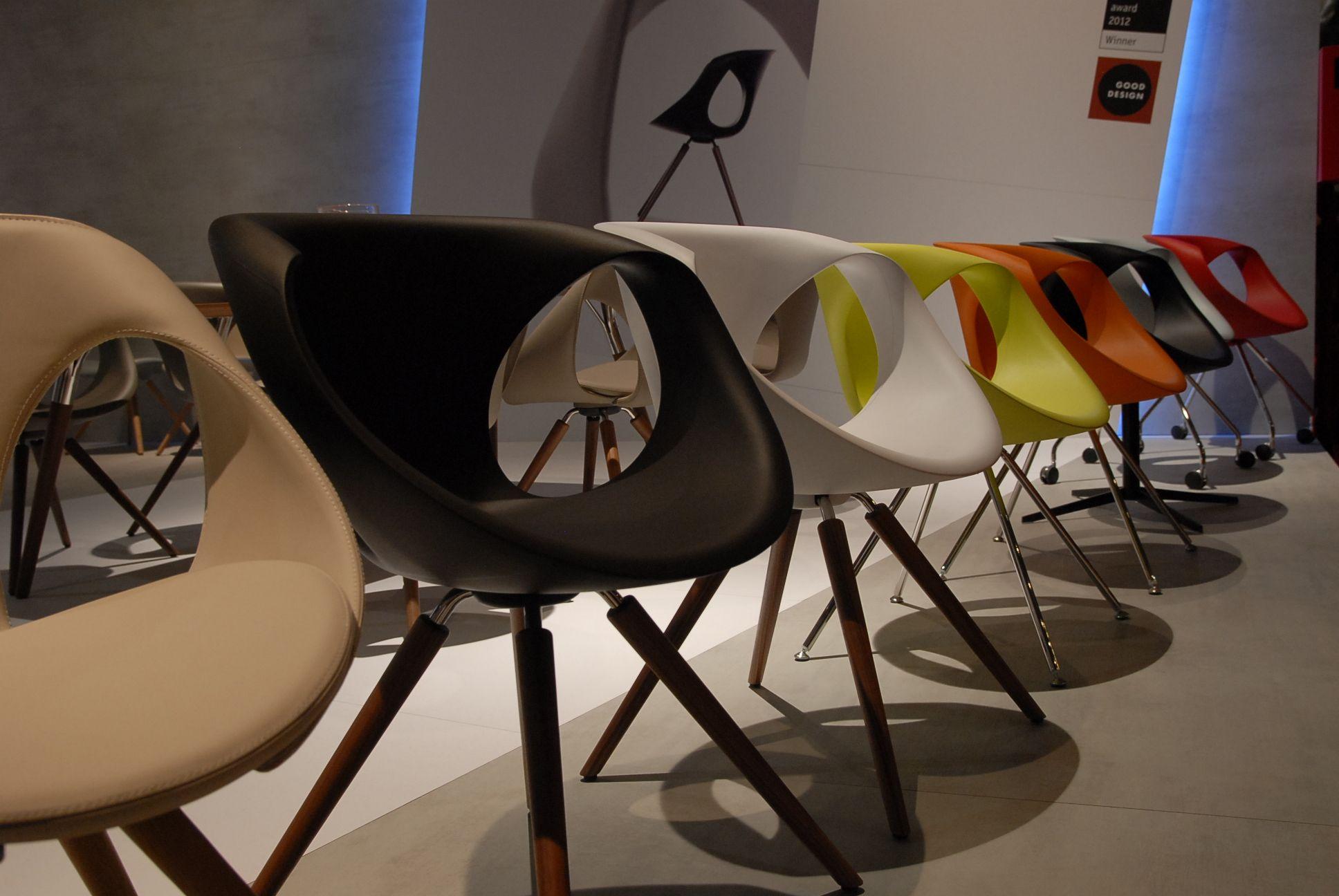 Farsi avvolgere da una sedia. #interiordesign #sedia #chair #relax #livingroom #seat #lounge