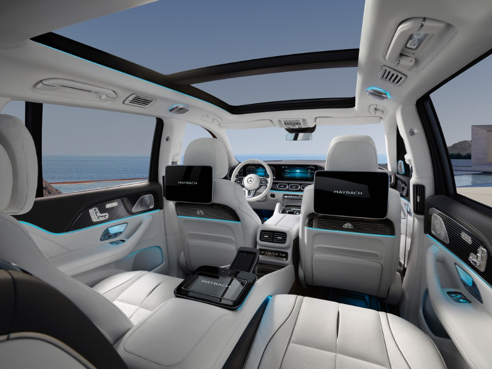 What It S Like Inside Mercedes Maybach S New Ultra Luxury Suv Mercedes Maybach Luxury Suv Maybach