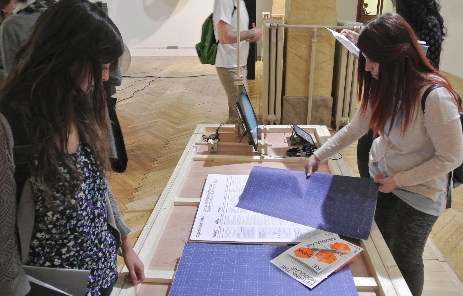"""European y Product Design Labs 2015 en la Exposición de """"Rethink the Modular"""" en Milán"""