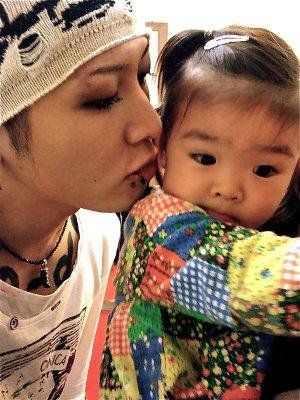 Miyavi Note This Is Not One Of His Daughters But The Child Of A