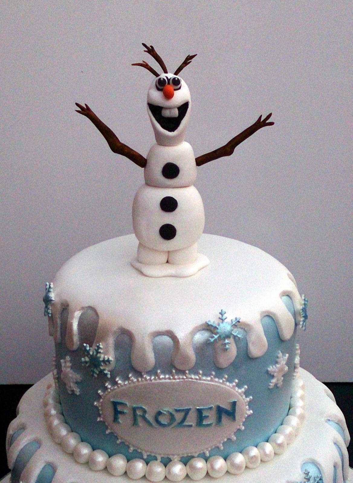Birthday Cake Ideas Disney Frozen : disney-frozen-themed-birthday-cake-sponge-poole-dorset ...