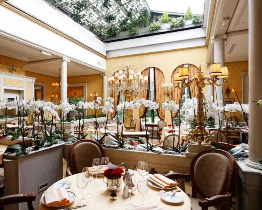 Lasserre Paris Amazing Meal And Atmosphere The Ceiling Opens Magical Place Worth Every Penny Paris Restaurants Best Restaurants In Paris Seven Restaurant