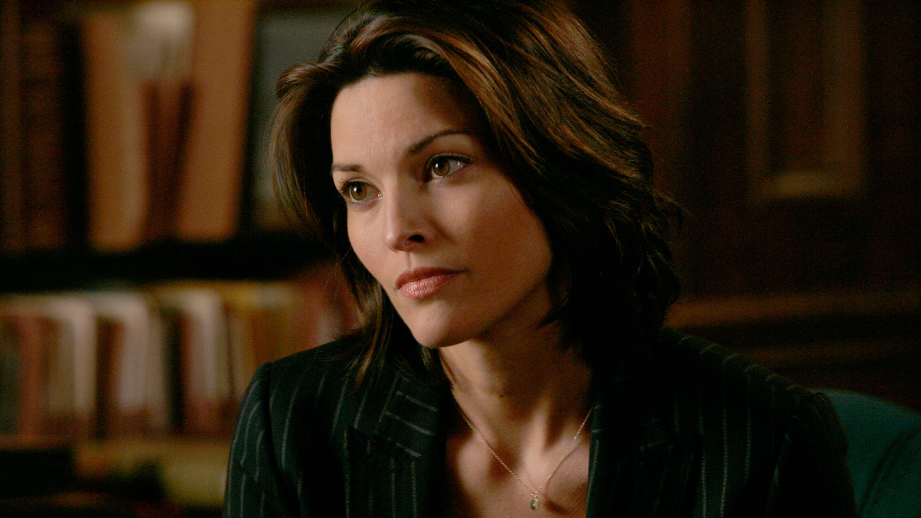 Widescreen Hd Alana De La Garza Law And Order Alana Law And