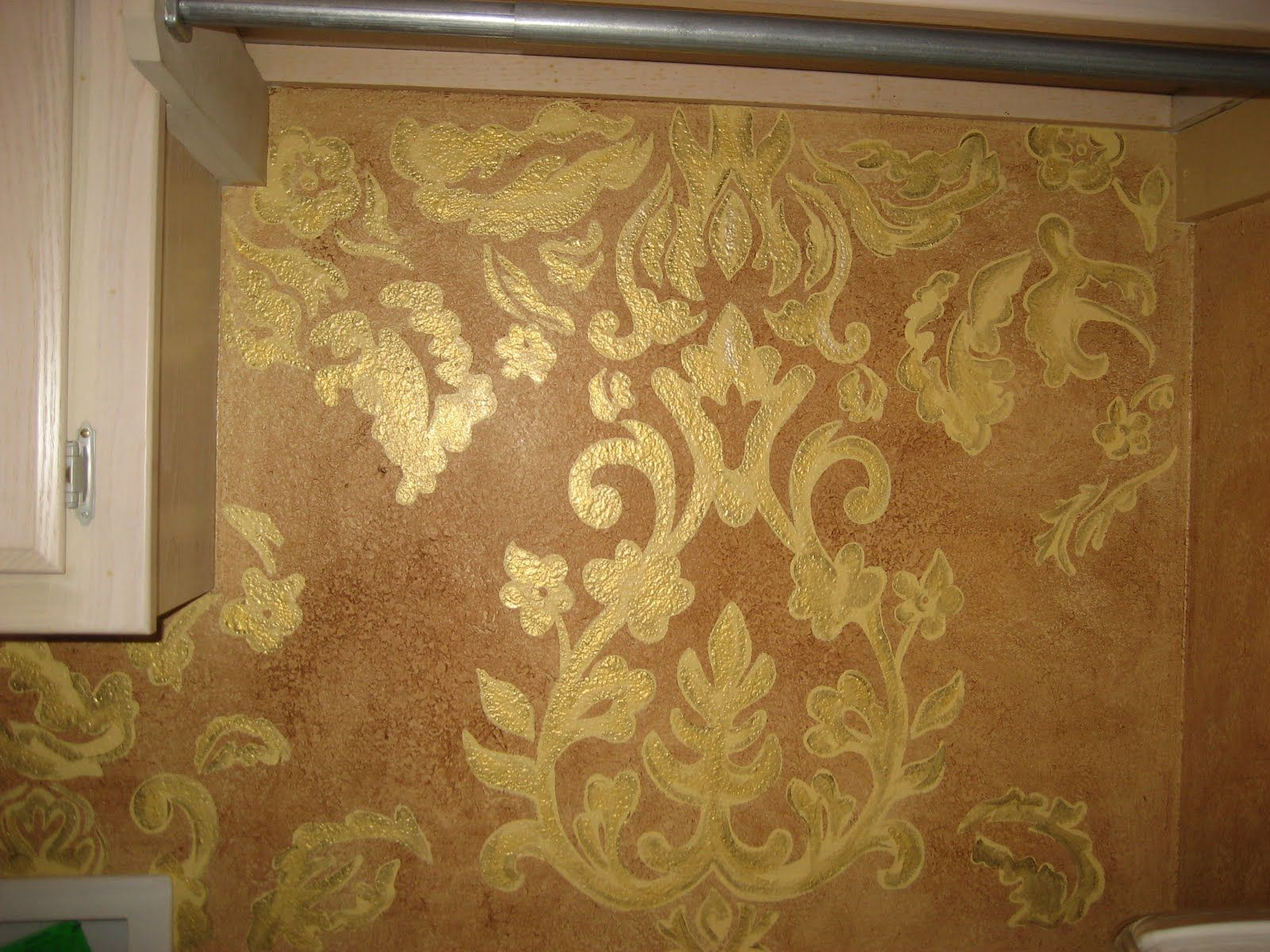 Damask stenciled wall | If walls could talk | Pinterest | Damask ...