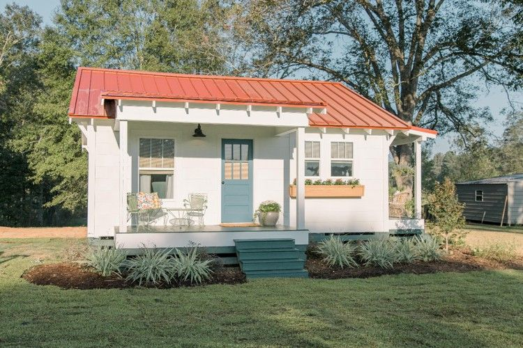 Home Town: The Littlest House in Laurel — HGTV