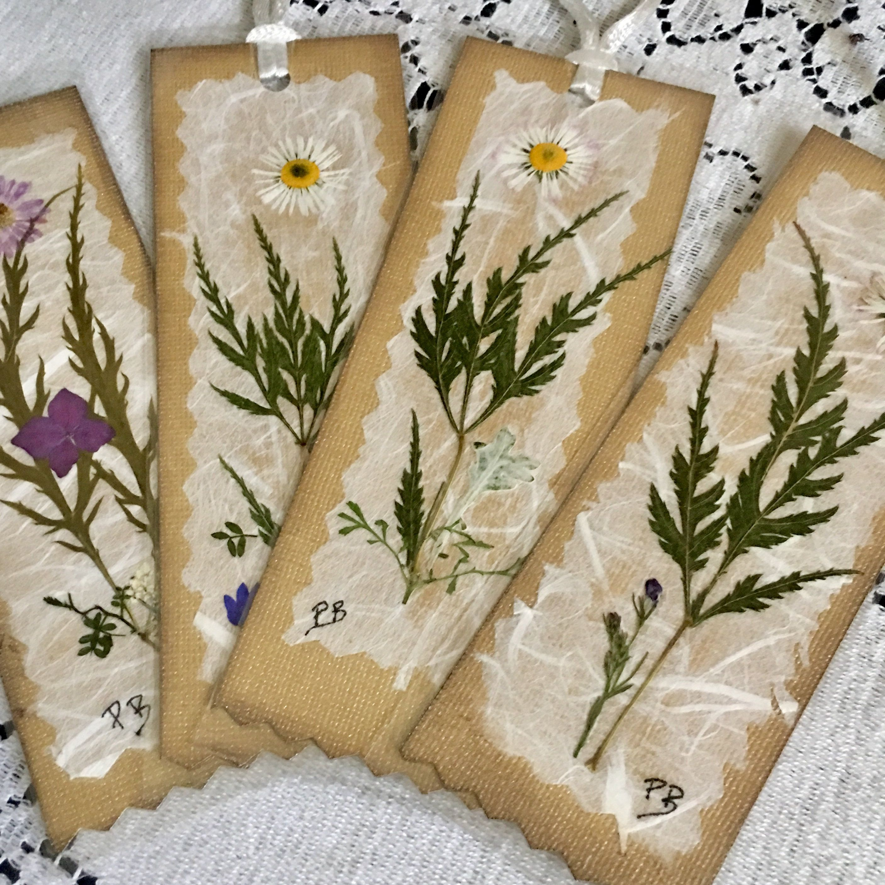Nature Bookmarks Pressed Flower Bookmarks Set Of 4 Botanical Etsy Bookmarks Handmade Flower Bookmark Pressed Flower Crafts