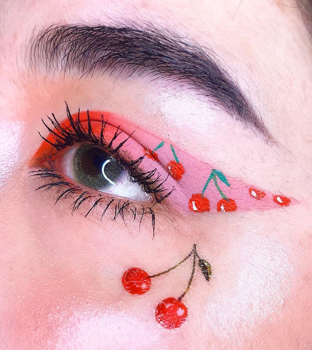 Creative summer cute eye makeup