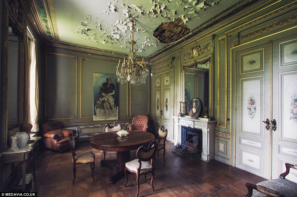 Faded Glory: A Manor House In Belgium With Peeling Paint On The Ceiling Is  Otherwise Luxurious.