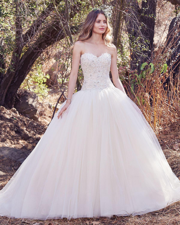 Vestido de novia corte princesa escote corazon