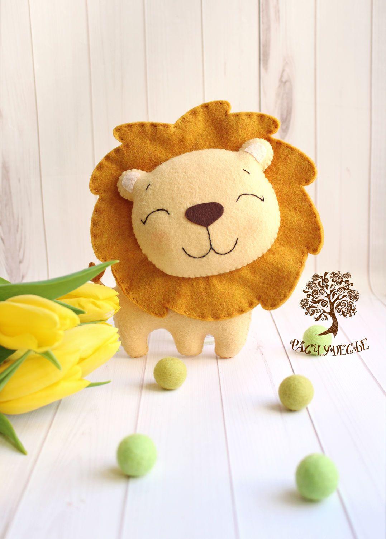 """Купить или заказать Игровая игрушка из фетра """"Крошка-лев ..."""