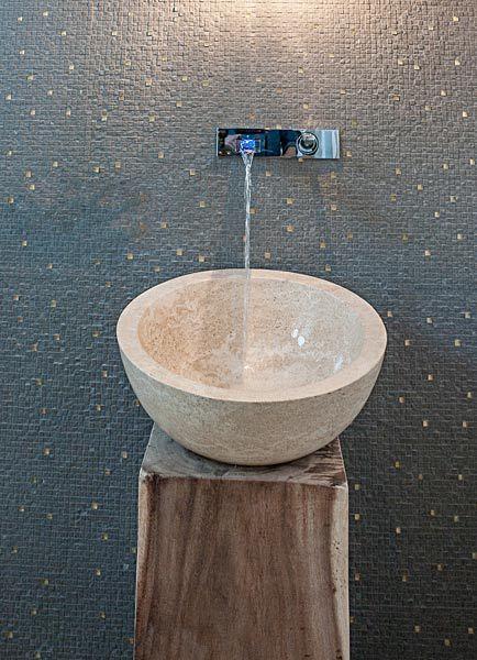 Waschtisch Aus Stein Auf Holzblock Badezimmer