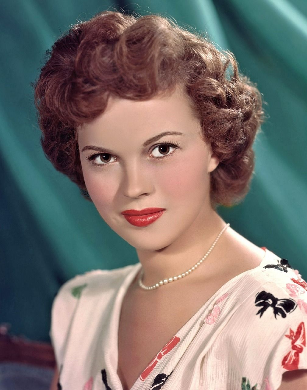 shirley temple ann es 40 ann es 50 actrice r tro collier de perle maquillage vintage. Black Bedroom Furniture Sets. Home Design Ideas