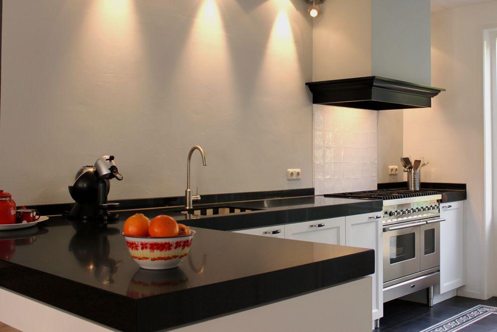 Witte keuken boretti gasfornuis houten vloer google zoeken