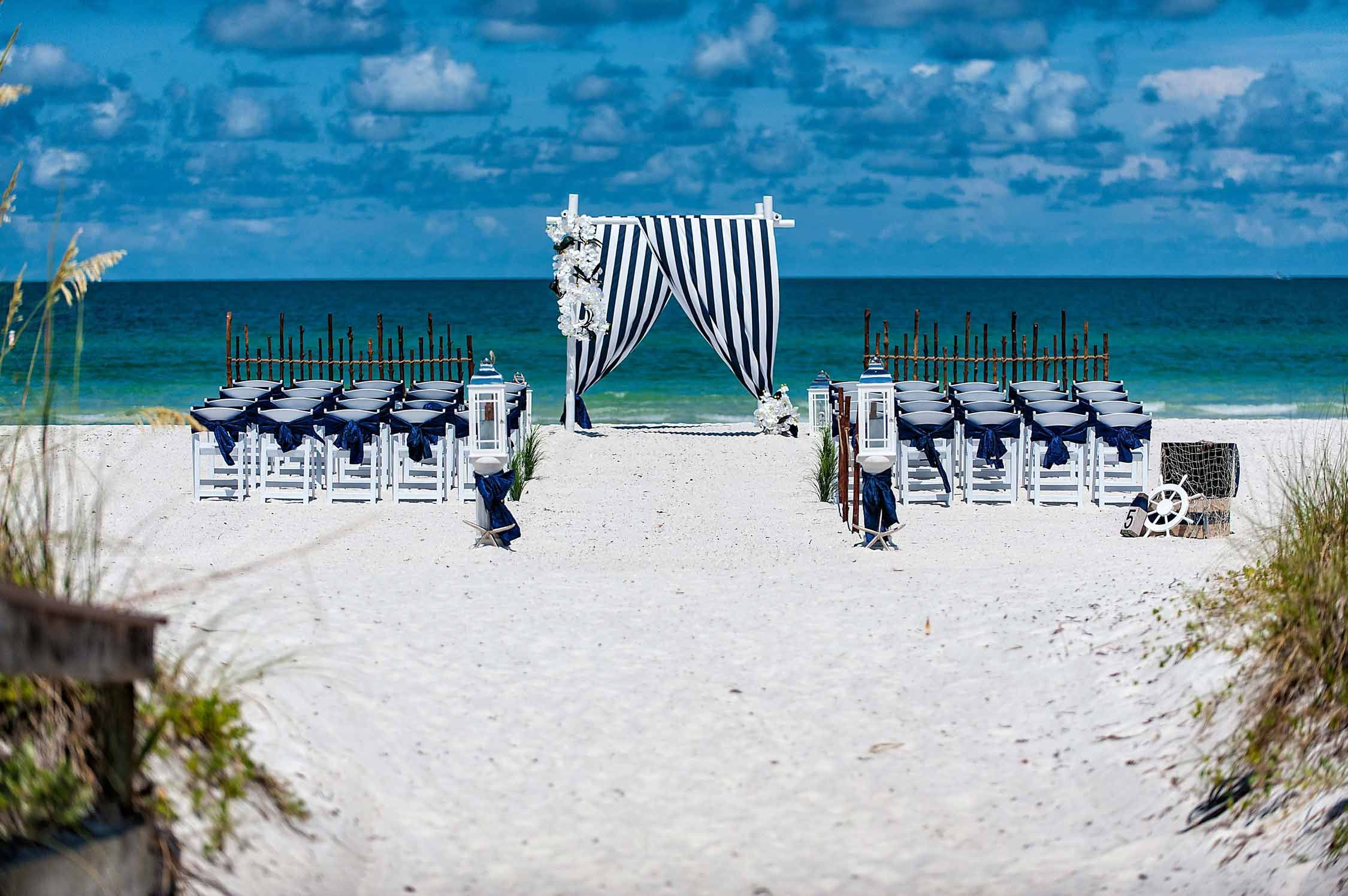 21 Fun And Easy Beach Wedding Ideas With Images Wedding