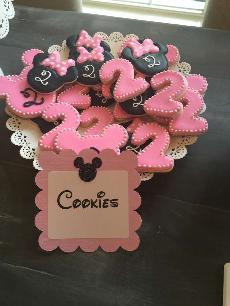 Minnie Mouse birthday party cookies! See more party ideas at CatchMyParty.com!