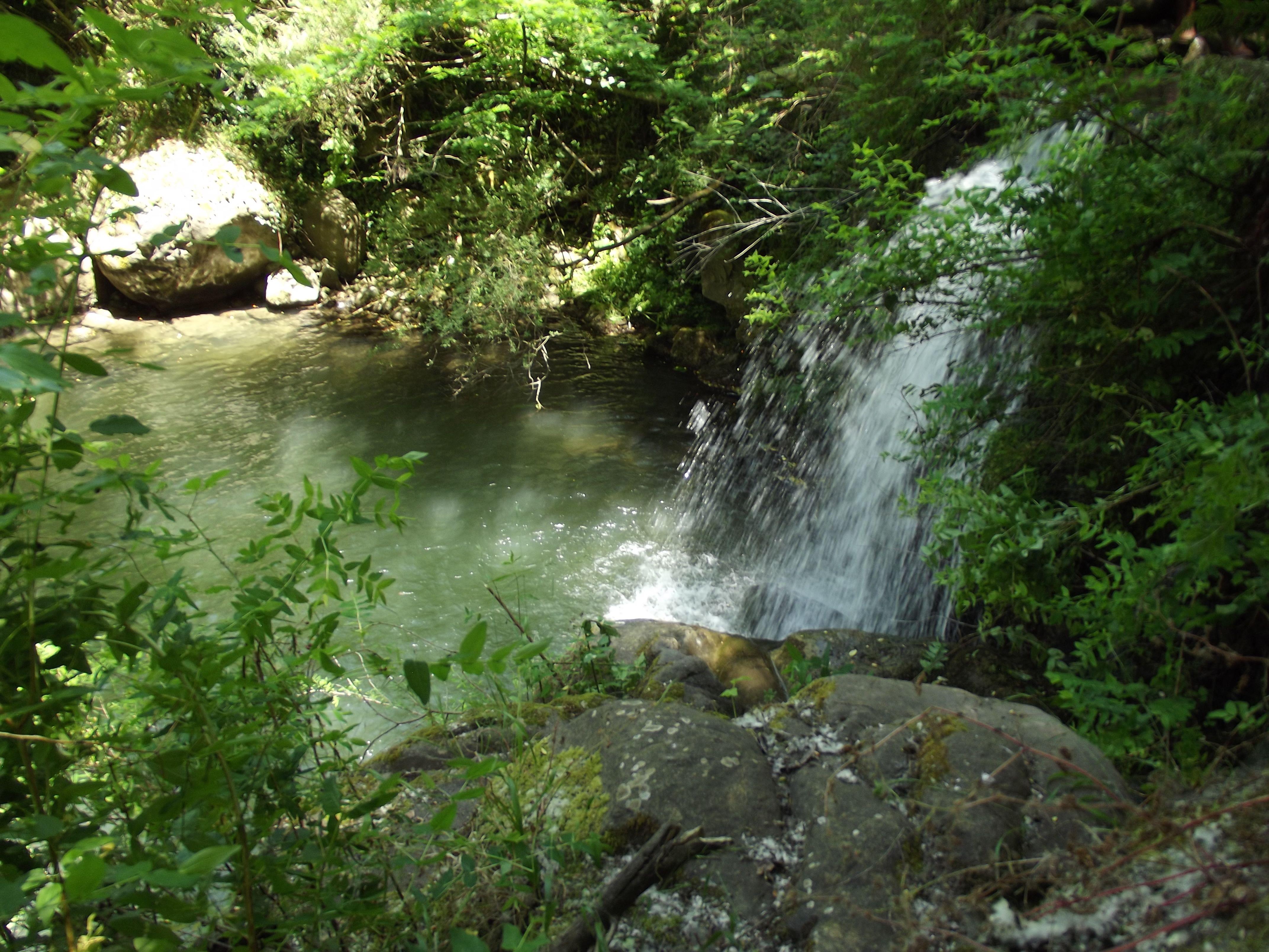 Cascata al torrente Mastropotamo. #Natura #Trekking #Acqua #LuogoIncontaminato