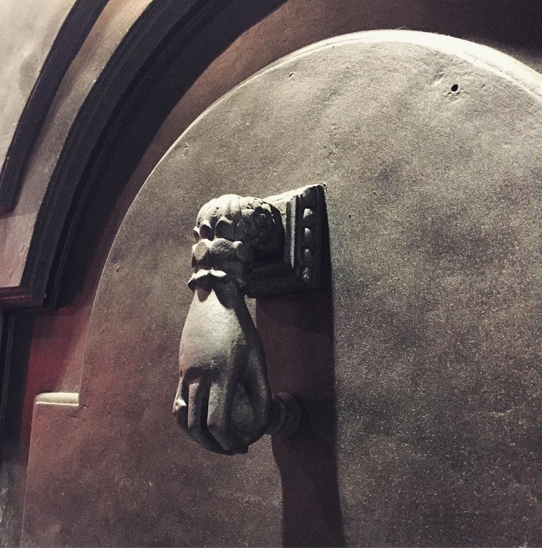 #portone #door #bussare #dettaglio #milanodavedere #milan #milano by uranioduecentotrentacinque