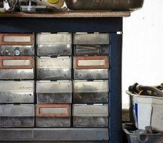 cassettiera porta viti