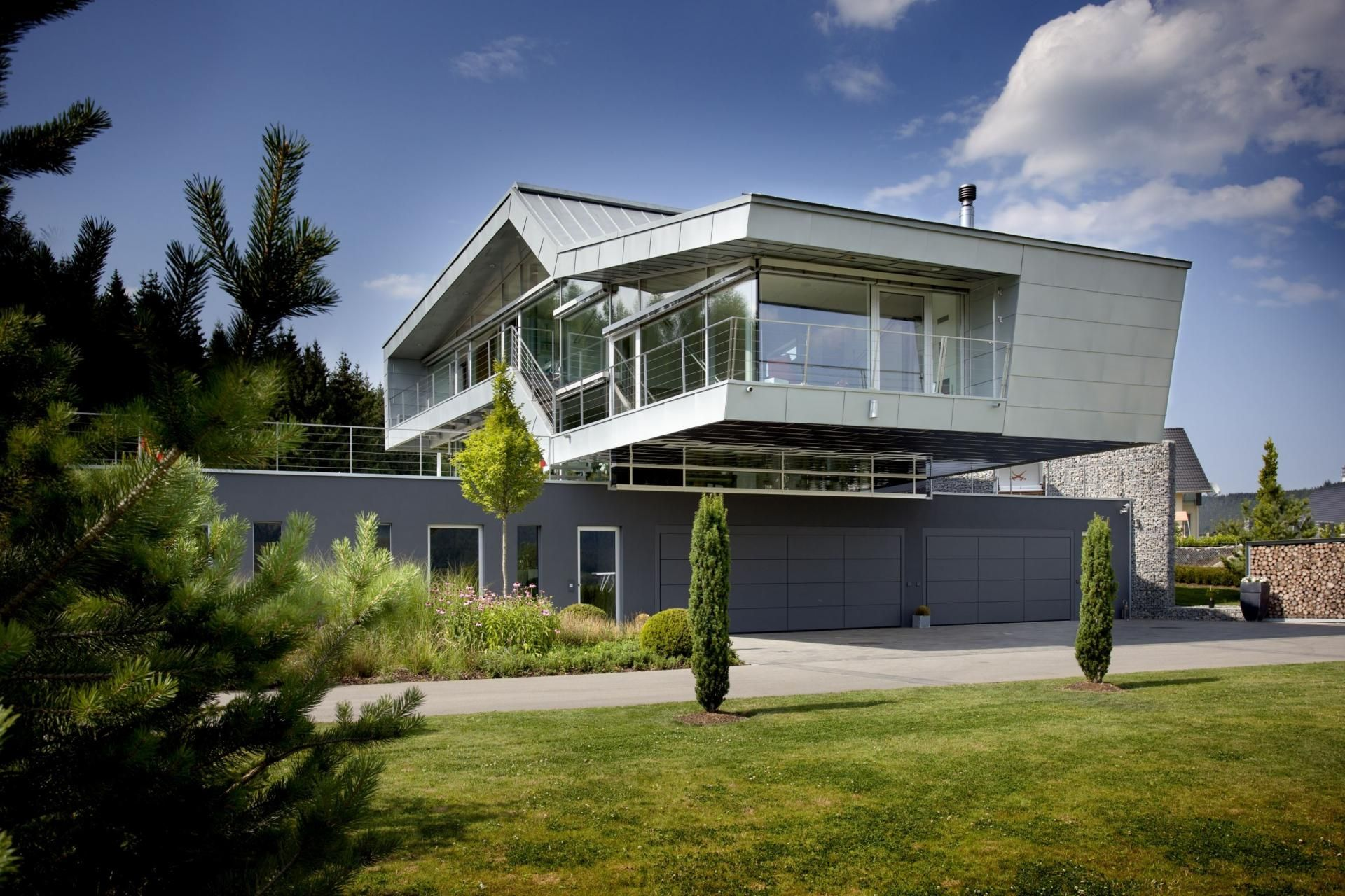 An Engineer's Incredible HighTech Dream Home Futuristic