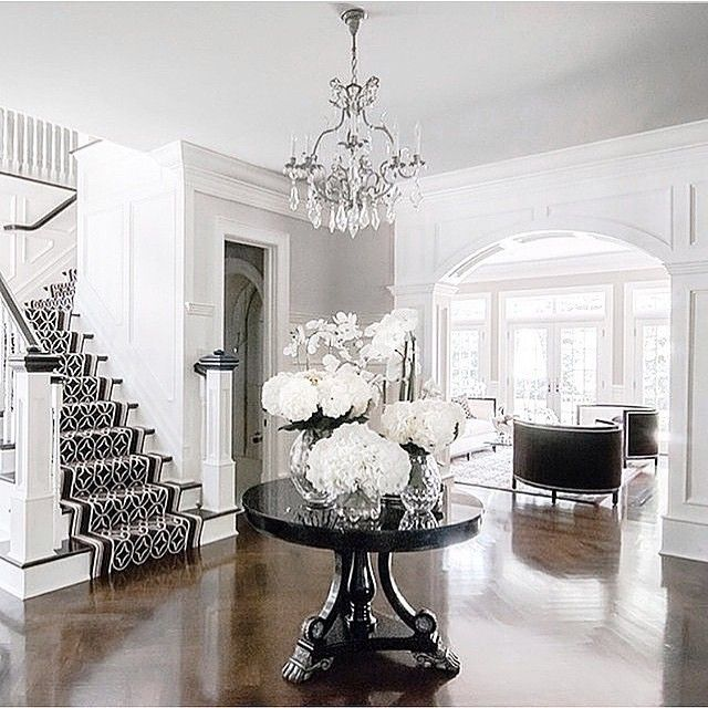 Love this entrance and #staircase Image via @candelldesign #house #home #dreamhome #interiors #entrance #grandentrance #love #dreamhouse #interiors #interiordesign