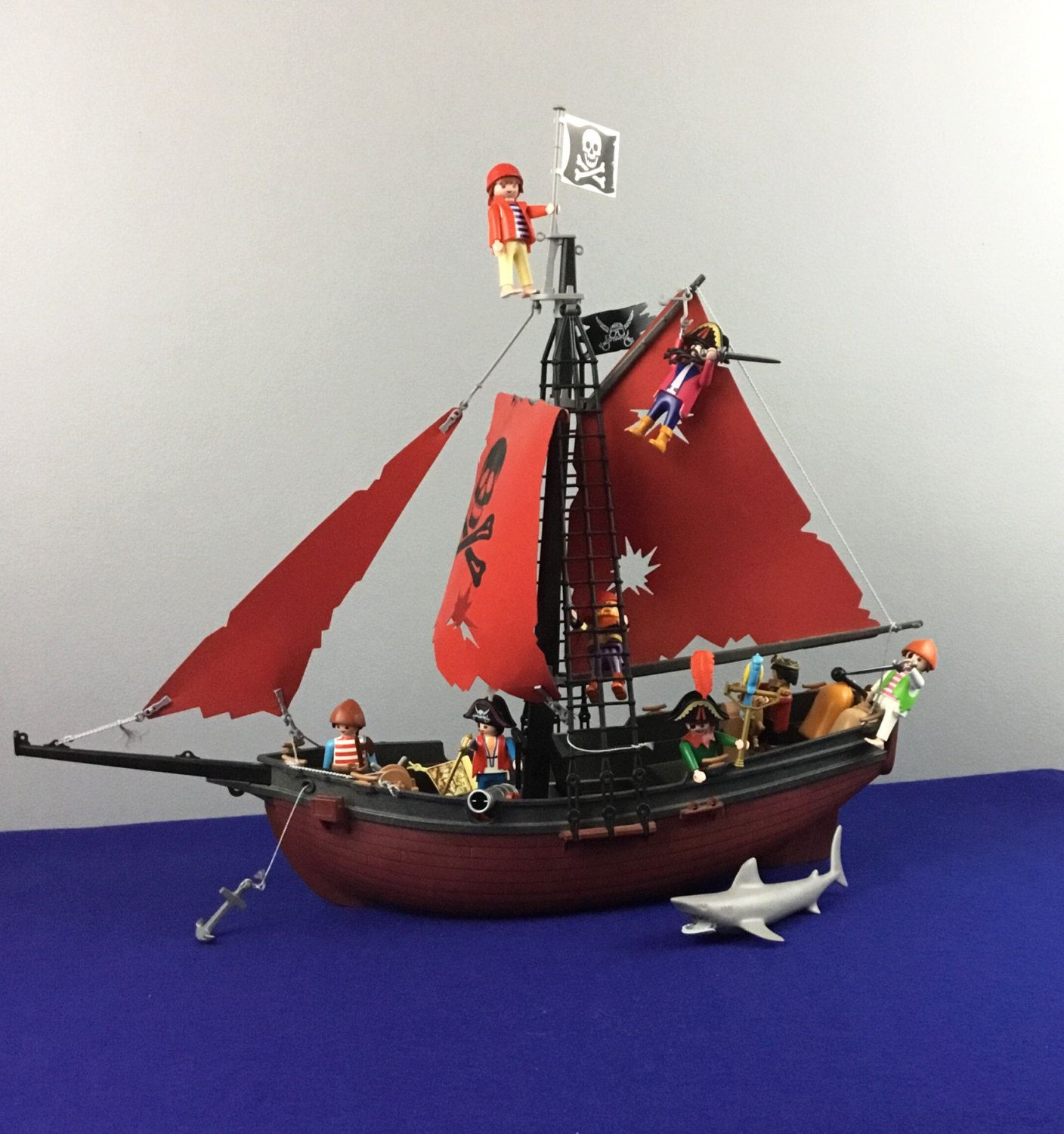 Shark Ship Toy : Vintage playmobil pirate ship action figures
