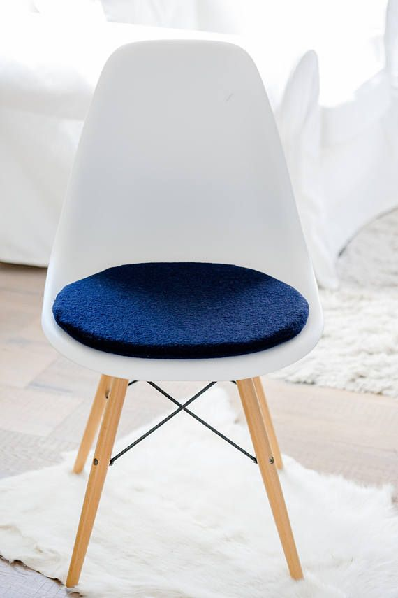 stuhlkissen in dunkelblau passend fr eames chair limitiert - Eames Chair Sitzkissen