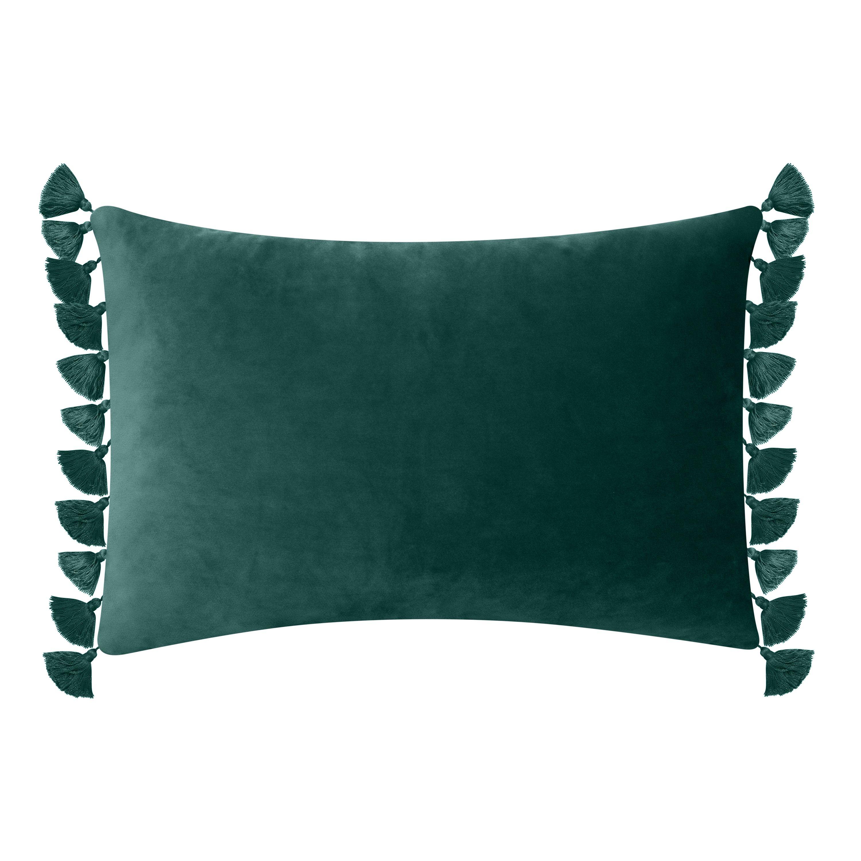 Better Homes Gardens Feather Filled Tassled Velvet Oblong Decorative Throw Pillow 14 X 20 Emerald Walmart Com Decorative Throw Pillows Green Throw Pillows Throw Pillows