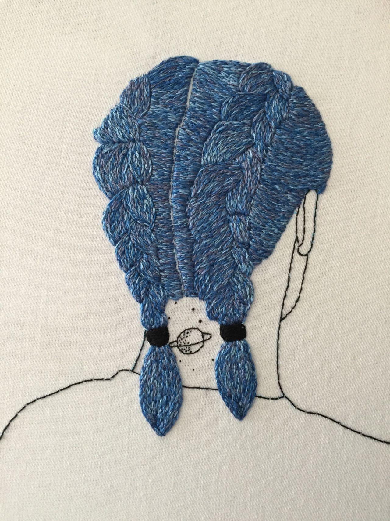Modern embroidery by Querida Sputnik.