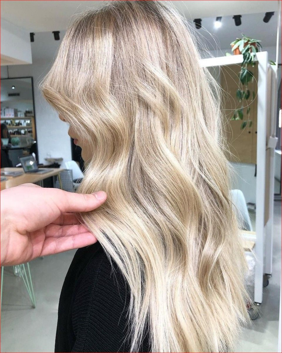 New Hair Color Trend 2019 So Beautiful Is Scandi Blonde Best Long Hairstyles Hair Color Trends Cool Toned Blonde Hair New Hair Color Trends