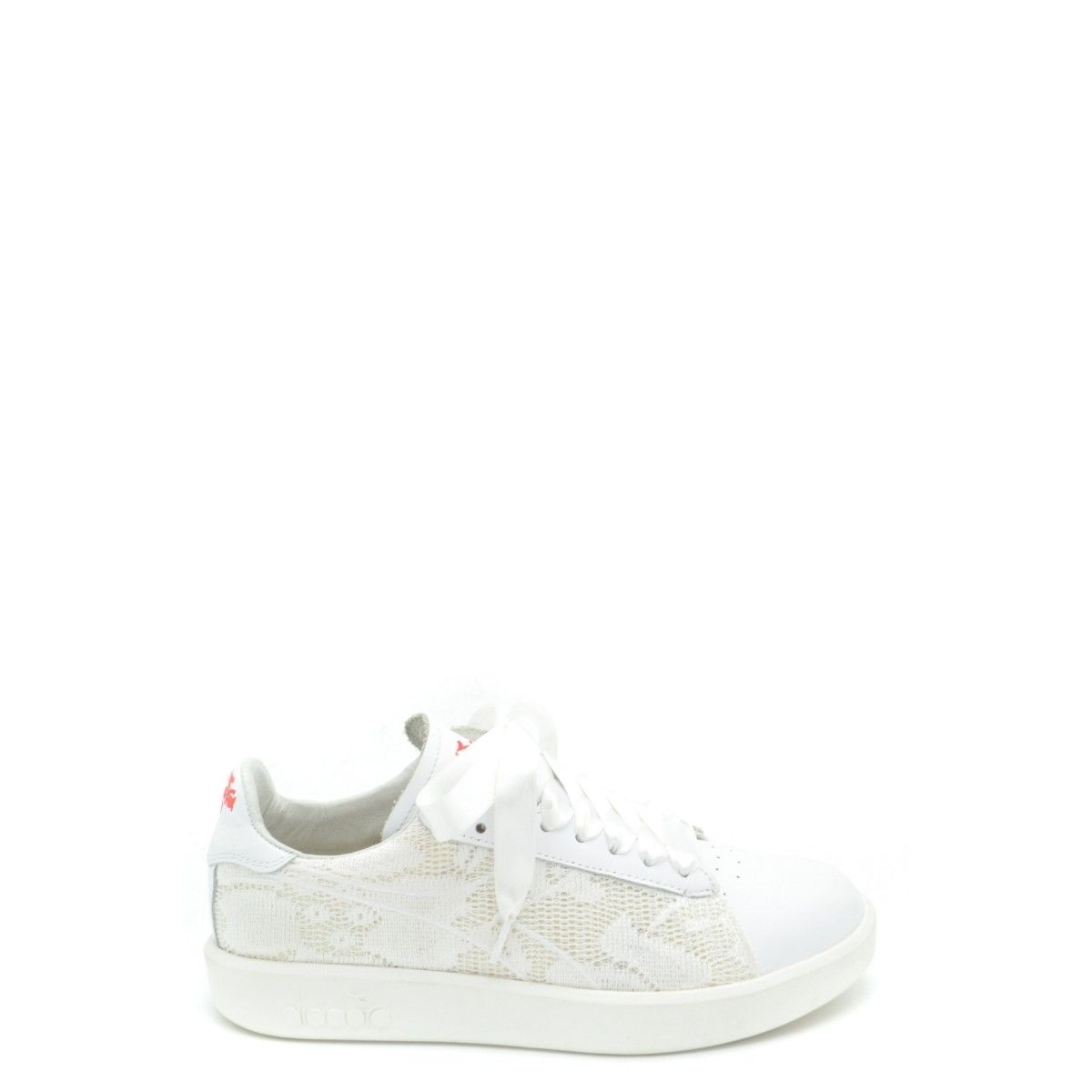 b158c4a9e7 Pin by GLAMTOP on Spring \ Summer 2019   White sneakers, Sneakers ...