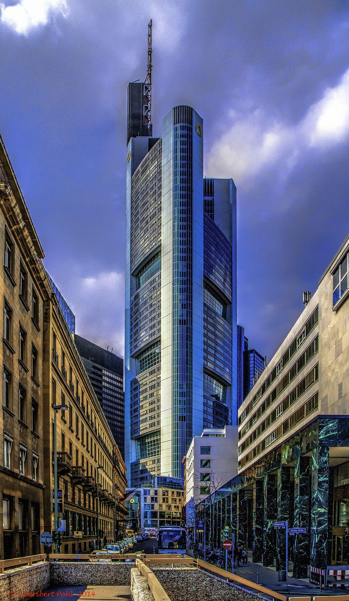Frankfurt, Main, Bethmannstraße, im Hintergrund die