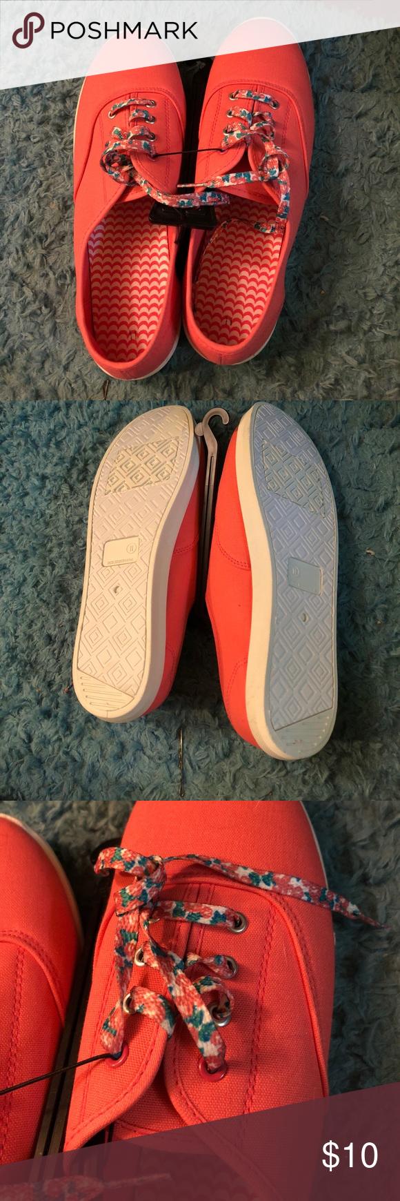 14618ffb1d4177 🆕 Tory Burch Miller neoprene medallion sneakers NWT