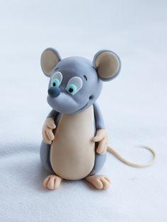 Moldelado paso a paso de un ratoncito con fondant y pasta de goma