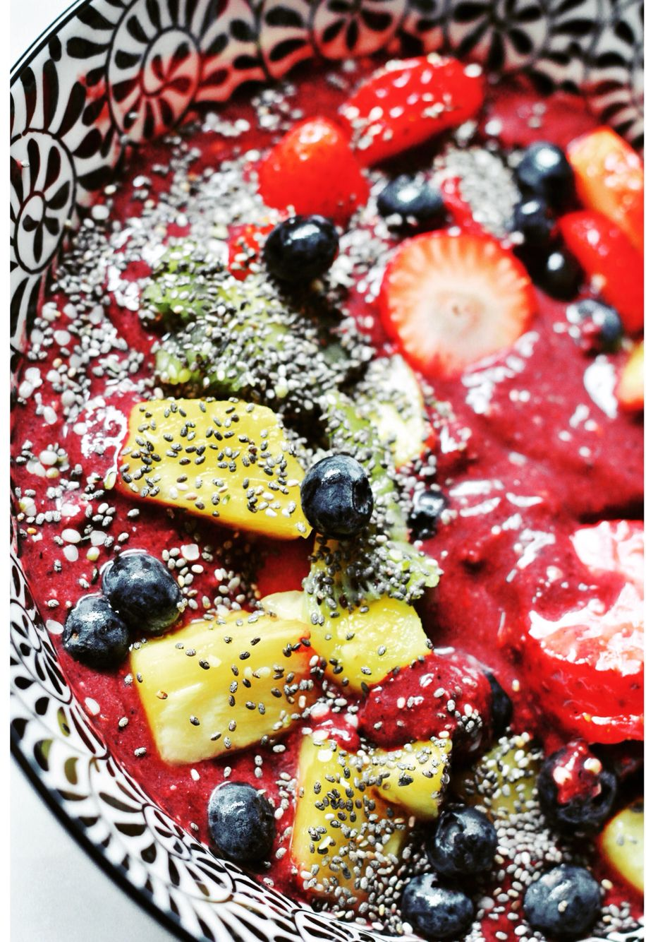 Acai smoothie bowl with fresh coconut water, various fruit toppings, banana and chia seeds #yum #healthy #cleaneating